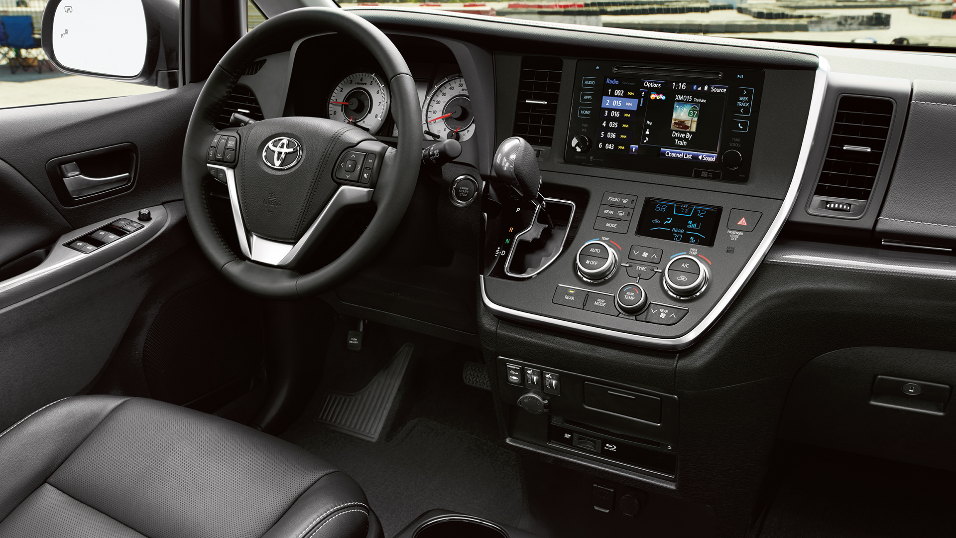minivan-rental-interior